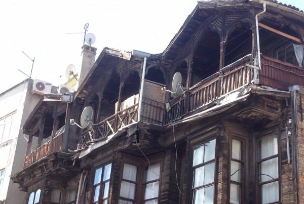 ISTANBUL-Maisons en bois dans le Quartier Balat vers Kariye Müzesi-CF