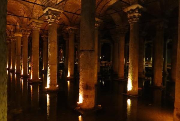 ISTANBUL-palais englouti ou citerne basilique-Yerebatan Sarnici 2-CF
